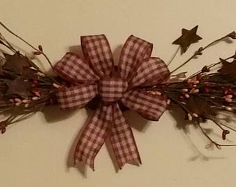 Primitive Decor Swag  Tan and Burgundy Berries Rusty Stars with Burgundy/ Tan Bow 16""