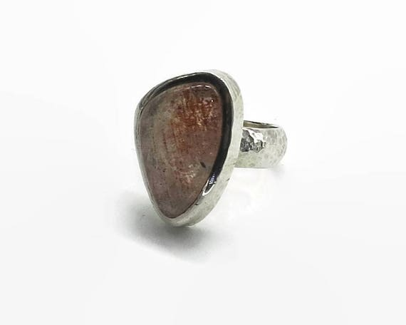 Rutilated quartz ring in hammered sterling silver setting, large piece of salmon pink rutilated quartz, size Q / 8.5, 16 gms
