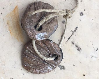 2 charms for earrings beige raku