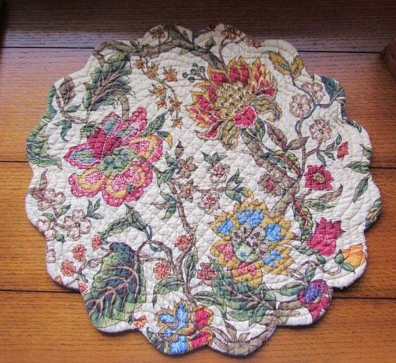 7 Quilted Placemats Jacobean Print