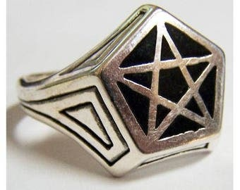 Pentagram 5 Point Star Ring