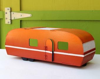The Starbeam Caravan - A Vintage Trailer Dollhouse 1:12 scale
