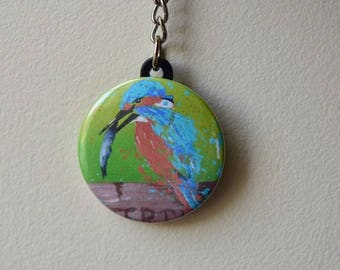 Keychain with a Kingfisher on green background