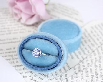 Oval Velvet Ring Box in Smokey Blue for Wedding Gift, Wedding Ceremony, Ring Storage