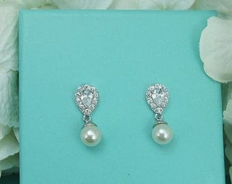 SALE Ends Monday Sparkle cz earrings, pearl bridal earrings, cubic zirconia earrings, wedding jewelry, wedding earrings, bridal earrings,bri