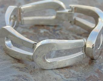 Beto ~ Vintage Taxco Sterling Silver Hinged Link Bracelet