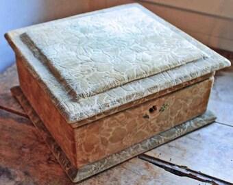 Antique French cartonnage box velvet mossgreen/ beginning of 20th century fabric box flower velvet / Vintage storage box
