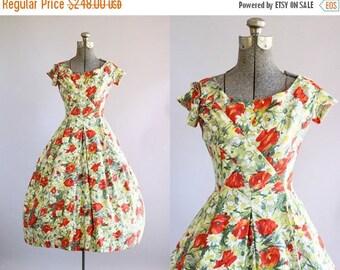 BIRTHDAY SALE... Vintage 1950s Dress / 50s Cotton Dress / Suzy Perette Red Poppy Print Dress w/ Full Skirt XS