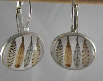 Boucles103 - Silver earrings cabochon beige feathers / blue
