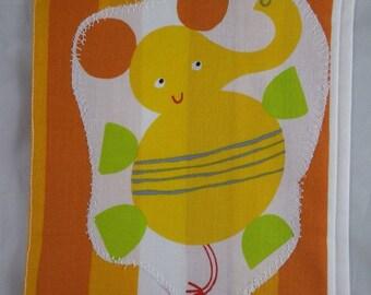 Carnet02 - Orange pattern Protection elephant for health book