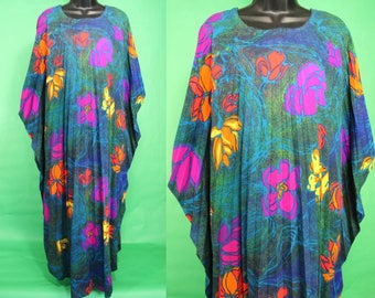 Hawaiian Dress......60's Pleated Hawaiian Caftan Kaftan Muumuu Luau Dress Tiki Dress