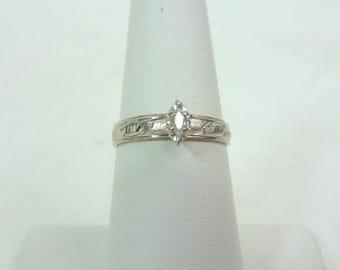 Vintage Estate Women's 10K White Gold, .15cts Marquise Diamond Ring, 1.8g E3352