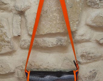 Colorful handbag in croco waxed canvas and fabric