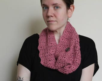 Crochet Cowl, Light Rose with a Scallop Edge