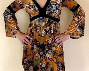 Dress velvet flowers