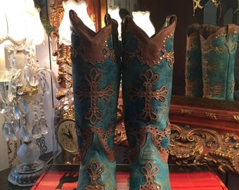 Brand New! Authentic FERRINI Italia Finely Crafted Western Boots