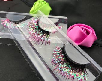 Mermaid eyelashes, glitter eyelashes, mermaid makeup, pink glitter,
