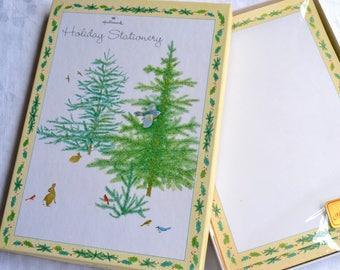 Vintage Hallmark Christmas Stationery Set - Yellow Holly Border - 28 Sheets with Envelopes