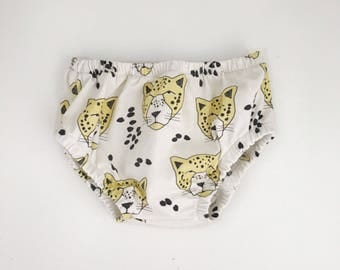Baby Bloomers, Nappy Cover, Diaper Cover / Leopards // ON SALE
