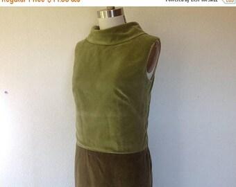 SALE 1960s Green velveteen shift dress