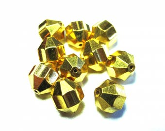 10 PEARLS FACETED CONICAL GOLD 10 MM