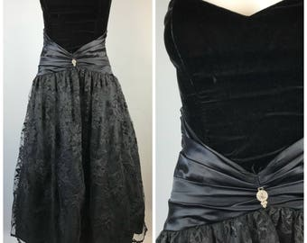 Vintage 90s Scott McClintock Velvet Black Prom Dress Lace Strapless Cummerbund 4