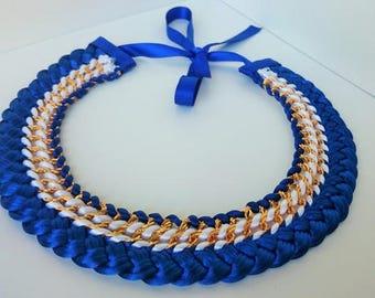 Collier tréssé ras de cou bleu et blanc