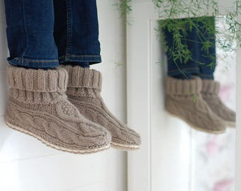 Knit slippers with sole 100% wool cable knit - hand knitted slipper socks with felted wool and flax soles - after ski boots