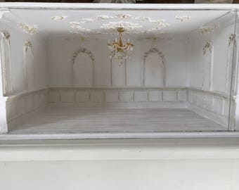 Large viewing cabinet without 1:12 chandelier