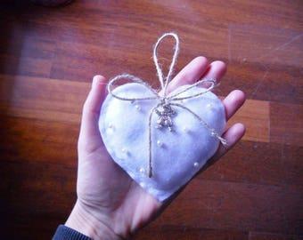 Shabby heart favor box