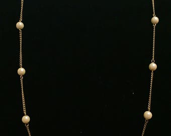 Vintage Sarah Coventry Gold necklace with Pearls