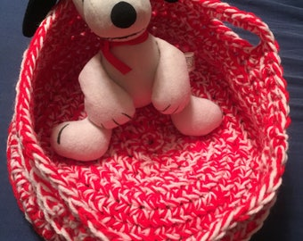 Crocheted Pet Bed-Handcrafted Pet Bed-Circular Pet Bed-Crocheted Circular Basket-Handcrafted Circular Basket-Red & Pink Crocheted Pet Bed