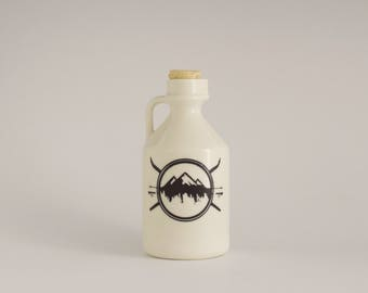 maple syrup bottle / mountain crest