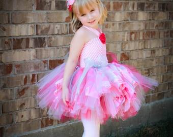 Pink camo tutu dress.  Girls pink camo dress.  Toddler pink camo dress.  Baby pink camo dress.  Camo tutu dress.  Camo dress.