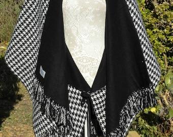 Stunning black white virgin wool, vintage hound tooth cape, freesize upto uk 18, usa 16, gothic, victorian, steampunk