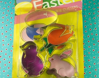 1980's Vintage 4 Pc. Fox Run Metal Easter cookie cutters In Original Package