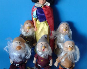 Snow White and Dwarfs Doll Disney 7 inches 1980's