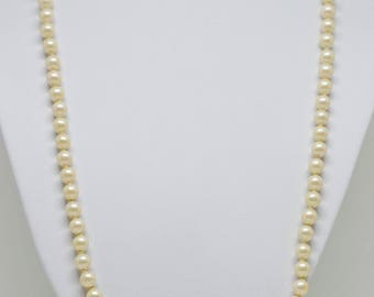 Lovely Faux Pearl Necklace