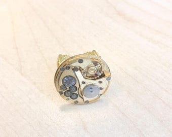 Adjustable steampunk ring with Golden Watch mechanism