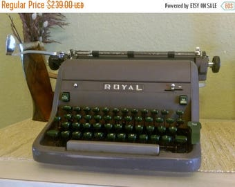 Back2School Royal HH Typewriter 1950s Vintage Professionally Cleaned and New Ribbon - Manual Desktop Model with Original Cover