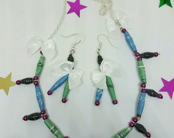 Adornment necklace and earrings made of paper beads