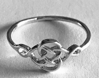 Knotted Ring, Knot Design, Gift for Her, Fashion Jewelry, Girls Ring, Silver, Gold