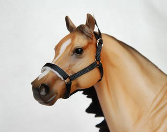 Breyer/Peter Stone Traditional 1:9 Scale Grosgrain Padded Model Horse Halter