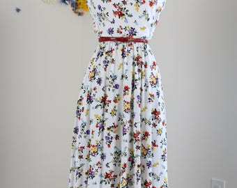 1980s Spring Summer Sleeveless Cotton Floral Patterned Midi Day Dress Gathered Elastic Waist Cowl Neck White Red Yellow Size Small Medium