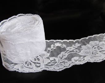 1 M of white lace flower 65 mm wide - white wedding lace