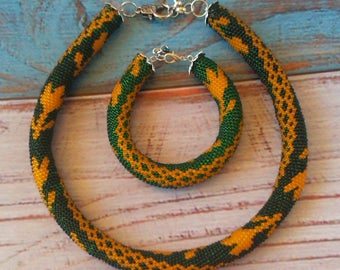 Seed beaded necklace Beaded bracelet Emerald Ethnic necklace Yellow tulip Boho set Indian Yellow tulip Gift for woman Statement jewelry