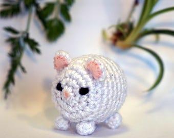 white polar bear plushie keychain - crochet amigurumi