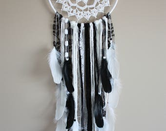 Black White Dreamcatcher-Doily Dreamcatcher-Feather Dream Catcher-Monochrome Nursery-Black Dreamcatcher-Boho Chic Dreamcatcher-Dream Catcher