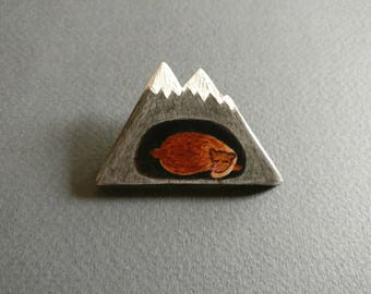 Mountain bear // Winter is coming . Brooch.