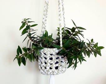 Crochet hanging planter, plant hanger, plant pot holder, neutral decor, modern home, succulents, houseplants, hanging basket, macrame